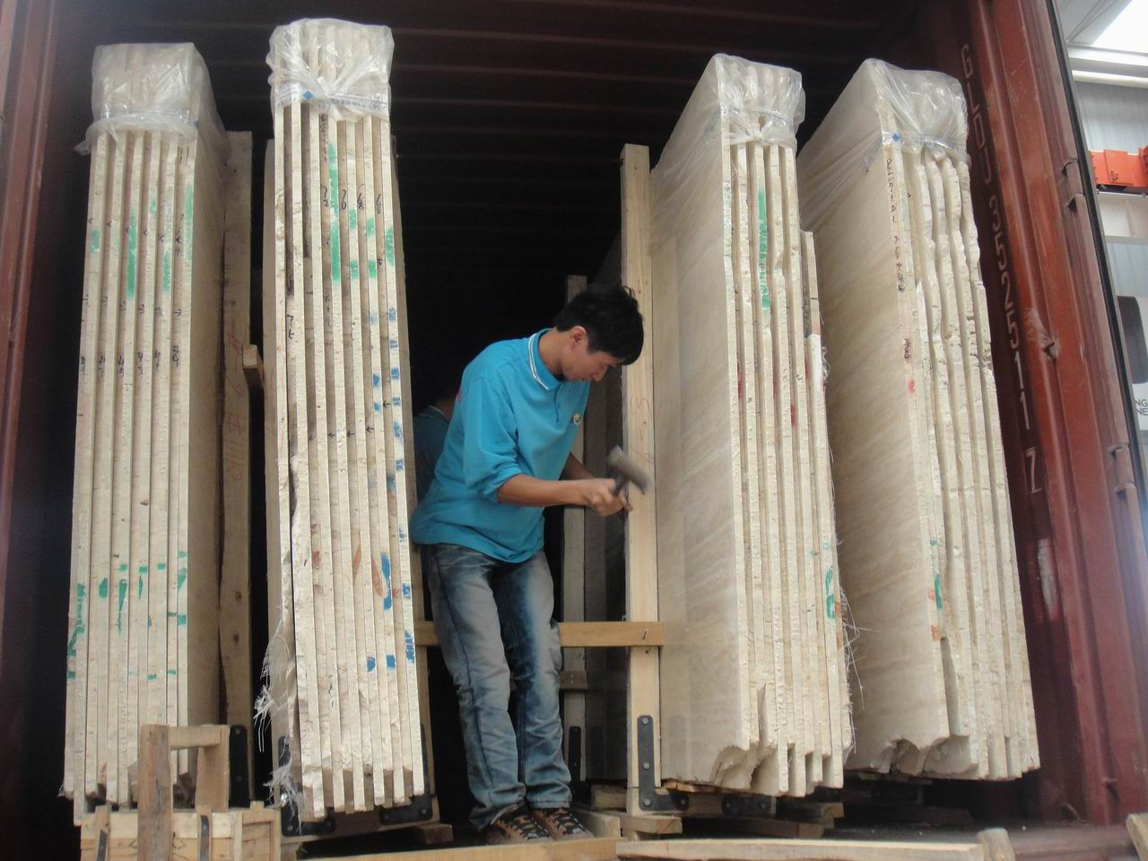 MARBLE SLABS IN CONTAINER